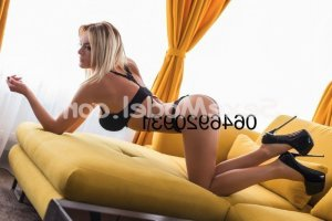 Vitoria massage sexy escort girl rencontre libertine à Aiffres